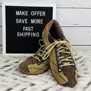 Levi's Sued and Leather Sneakers Size 9